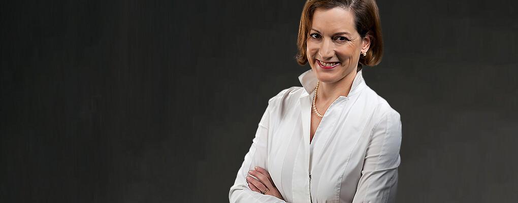 Anne Applebaum large profile photo