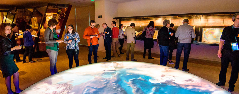 Gruppbesök museum tablett interaktiva karta
