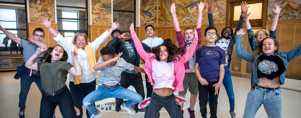 Školní skupina v muzeu skákání