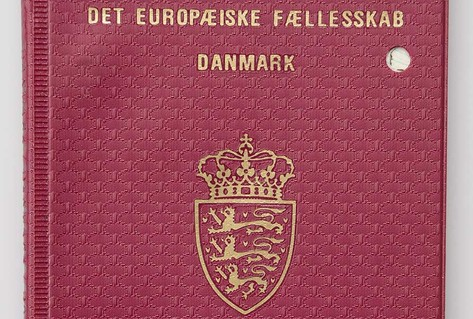 Front cover purple EC/Denmark passport
