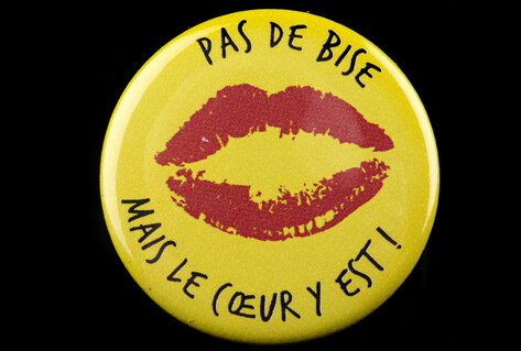 Badge with image of lips