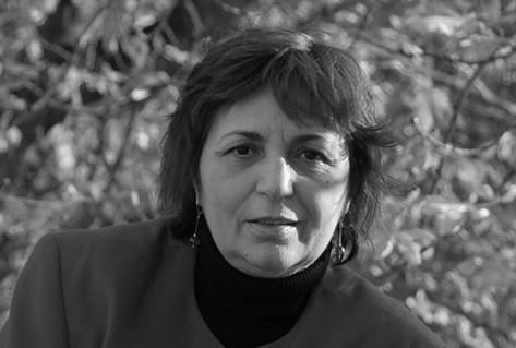 Headshot Gabriela author
