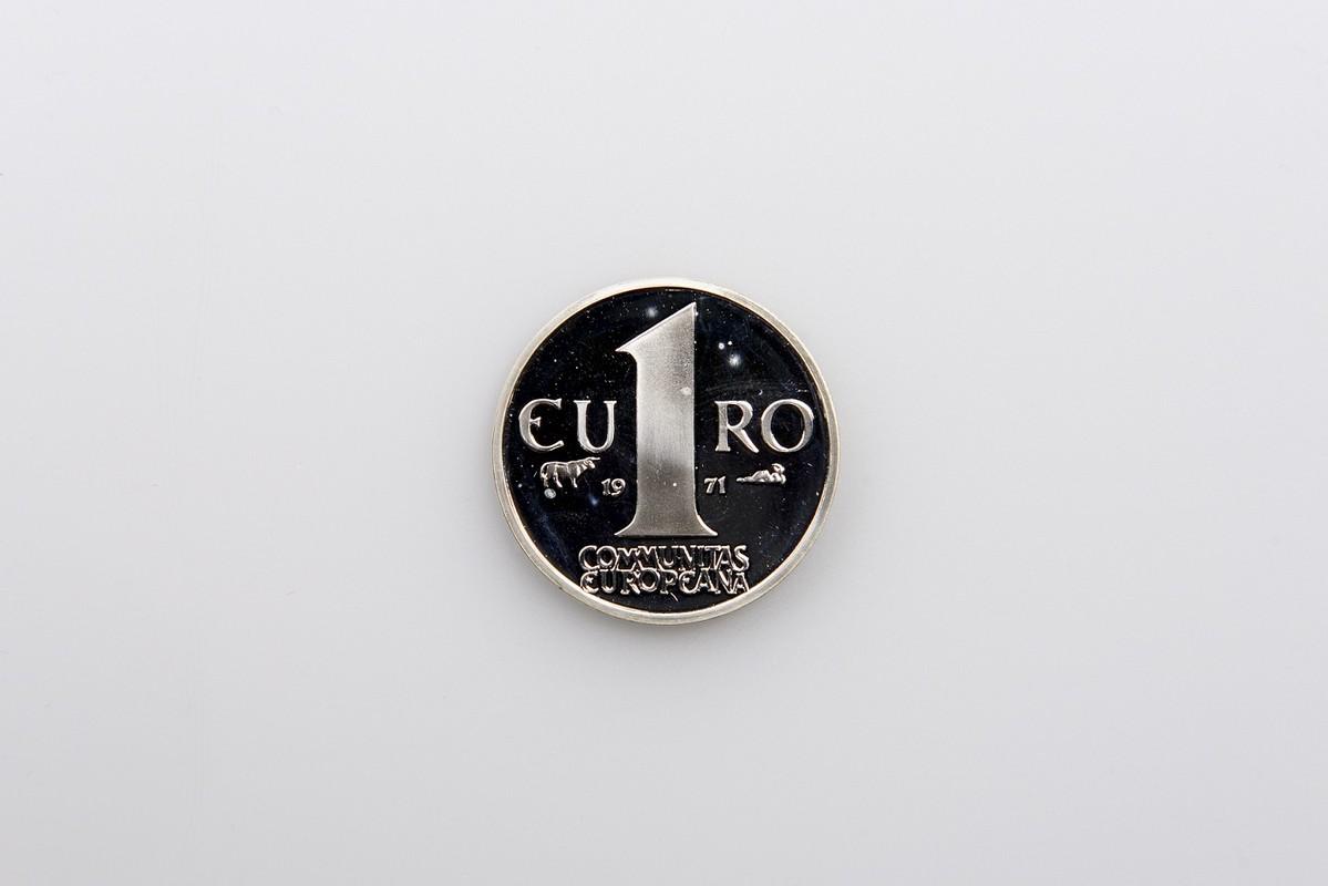 Front design metal mock Euro coin 1960s
