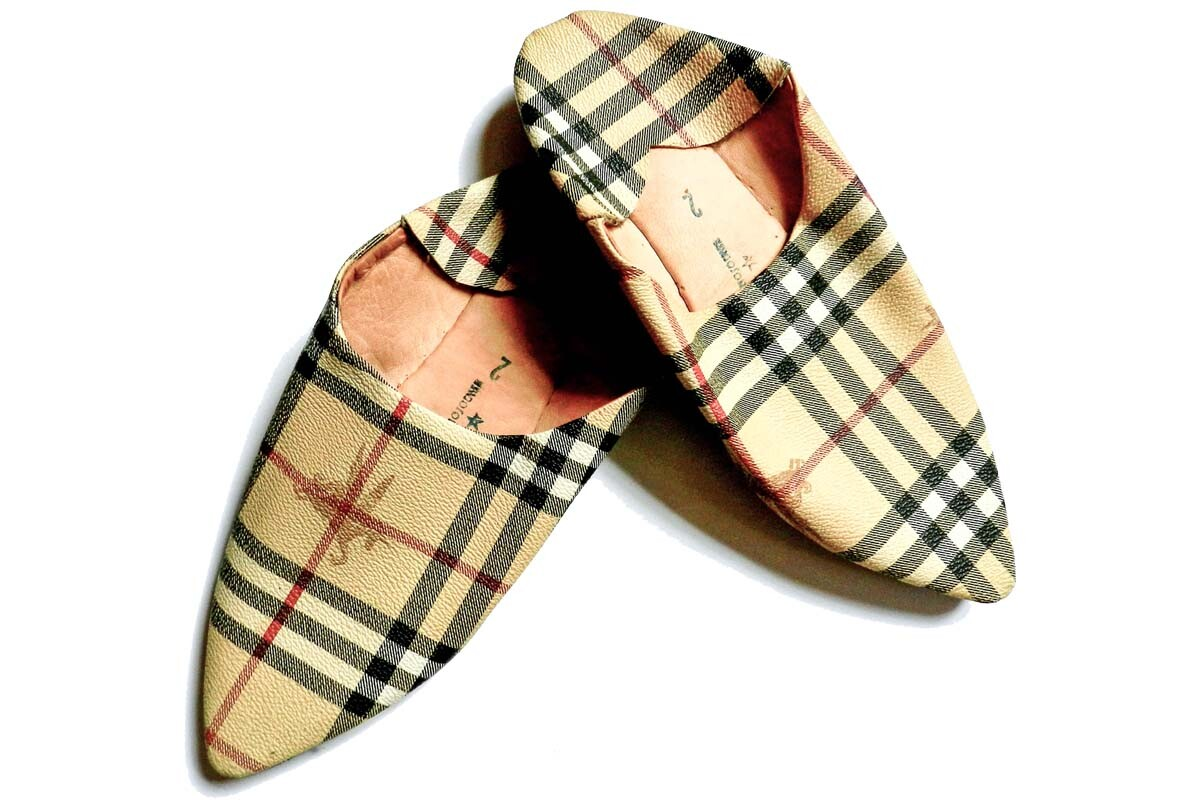Traditional slipper faking Burberry check